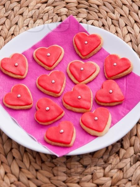 Масленки сладки с глазура от захарно тесто за десерт за Свети Валентин - снимка на рецептата
